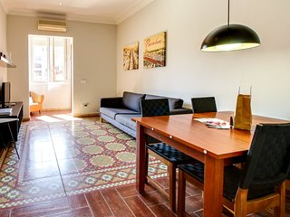Amazing 2bed/2bath close to  Sagrada Familia