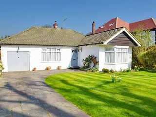 3 Bedroom Spacious Detached Bungalow