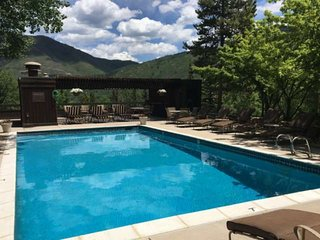 Newly remodeled, a great  Aspen Mountain condo next to the outdoor pool (summer)