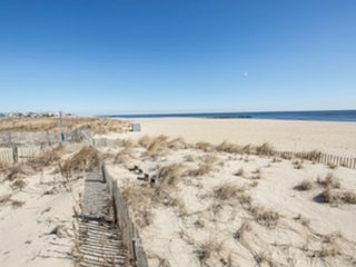 SUMMER VACATION BEACH RENTAL