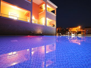 Brand new apartment (A5) with 60m2 heated swimming pool