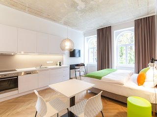 #07 Cube 70 - Dein stilvolles Altbauapartment in Wien (Basic, Maximum 2 Pax)