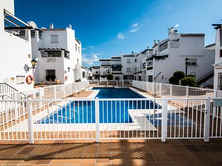 Los Flamencos Beachfront apartment in Duquesa Port