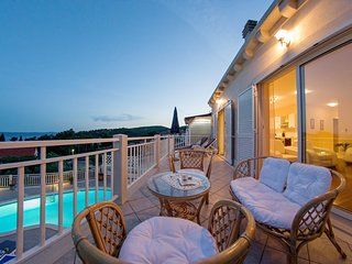 Villa with private pool and magnificent view for up to 16 persons