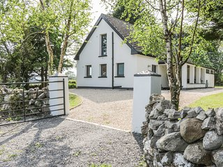ANNAGH, woodburner, lovely views, near Ballinrobe, Ref 974394