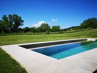 Molino dei Ciliegi, villa di design con piscina riscaldata e spa