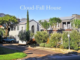 Cloud-Fall House