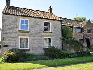 59357 Cottage situated in Helmsley (3mlsSE)