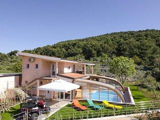 4 bedroom Villa in Slatine, Splitsko-Dalmatinska Županija, Croatia : ref 5633303