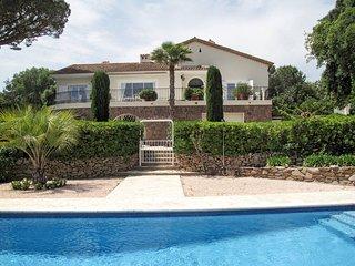 4 bedroom Villa in Guerre Vieille, Provence-Alpes-Côte d'Azur, France : ref 5632