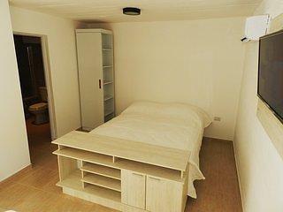 No 4 - Alojamiento totalmente equipado, a escasas cuadras del hermoso Rio Negro, holiday rental in Viedma