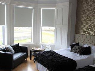 Mandalay Bed & Breakfast Triple Ensuite room