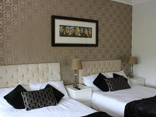 Mandalay Bed & Breakfast Family Room