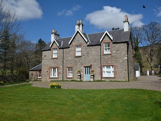 60236 House situated in Glen Clova