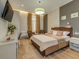 NEW!!! Stylish room in the heart of the city centar