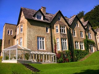 The Retreat - Set in 22 Acres of Beautiful Grounds
