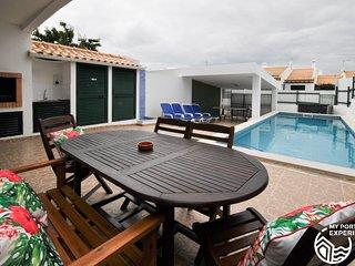 Vila Pedras, moradia com piscina perto do centro, ideal para familias
