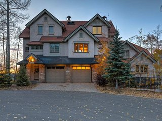 Ski-out Townhome with Private Hot Tub, Walk to Mtn Village Core, Gorgeous