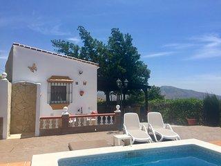 Studio Acacia, zwembad buiten-bar & 2 privé-terrassen.