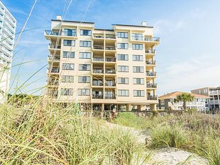 Oceanfront-502-- 3 Bedroom / 2 Bath Condo pet friendly in North Myrtle Beach