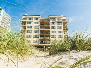Oceanfront-303-- 3 Bedroom / 2 Bath Condo pet friendly in North Myrtle Beach