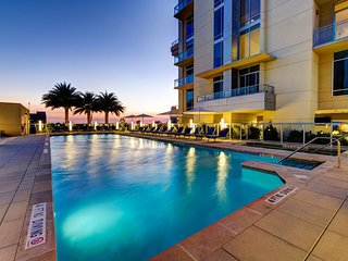 Luxury High-Rise Apartment with Pool across from Galleria Mall