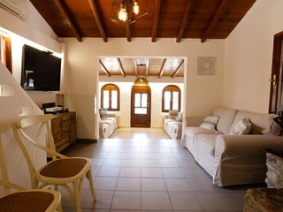 5 Star Small Luxurious Villa two minutes' walk to the beach