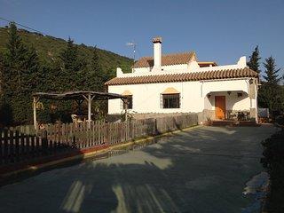 Casa con piscina en Canos de Meca.
