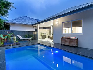 AZURE Beachhouse*Palm Cove