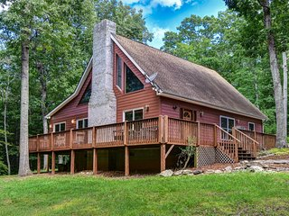 Taylor Ranch Retreat - Secluded yet close to Asheville, Lake Lure, and Tryon