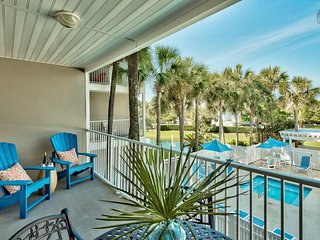 Gulf Place Caribbean condo, community pools, short walk to beach - Blu Caribbean
