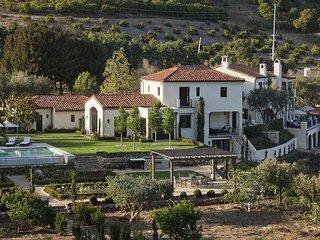 Italian style villa with ocean views at SB polo club - Villa Sevillano