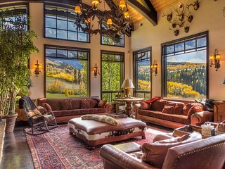 Private hot tub, game room, seasonally ski-in/out - Five Woods Retreat