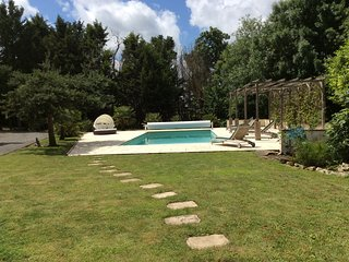Exquisite French Holiday Home to Rent With Swimming Pool near La Rochelle