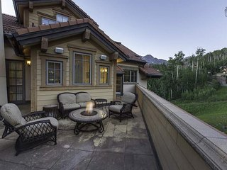 Luxury Penthouse in Mtn Village Core, Hot Tub Overlooking the Slopes - Heritage