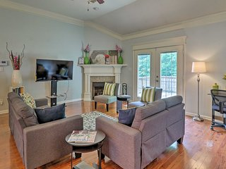 NEW! Cozy Home w/Community Pond- Mins from Outlets