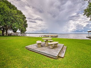 NEW! Lake Livingston Home w/Dock-Near Boat Launch!