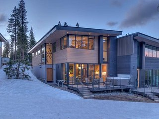 Ski-in/Out Modern Home on Northstar, Hot Tub Overlooks Slopes - Stella Nova at