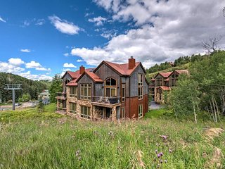 Ski-in/Out Home, Walk to Lifts, Beautiful Mountain Views  - Slopeside Retreat