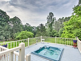 Enchanted Smoky Mtn. Villa on 8 Acres w/ Hot Tub!