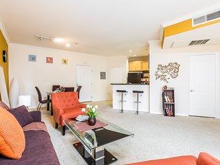 East West Comfort: Downtown LA Inspiring Apartment