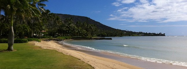 Short walk to tranquil Maunalua Bay