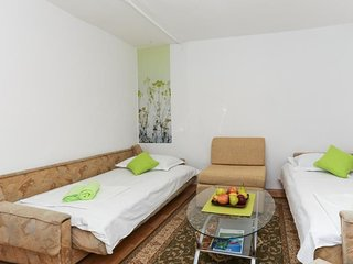 Bedroom 1.2 km from the center of Dubrovnik with Internet, Air conditioning (990