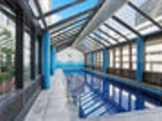 Lifestyle Resort Pool ,GYM Sauna Parking WiFi  in heart of Melbourne