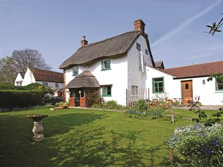 IC165 Cottage situated in Carisbrooke