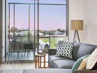 Luxury 1 Bed Apt Leederville Free Wi-Fi - A/C-Parking