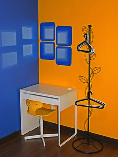 Donald Duck Bedroom study table