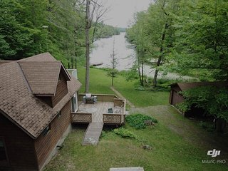 'Placid Bay' on the Rideau Canal - Vacation Rental Listing Details
