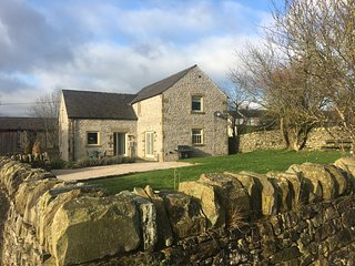 Hallyard House, Peak Park Barn Conversion
