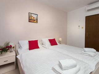 Guest House Rosa Bianca - Double or Twin Room with Garden View 1